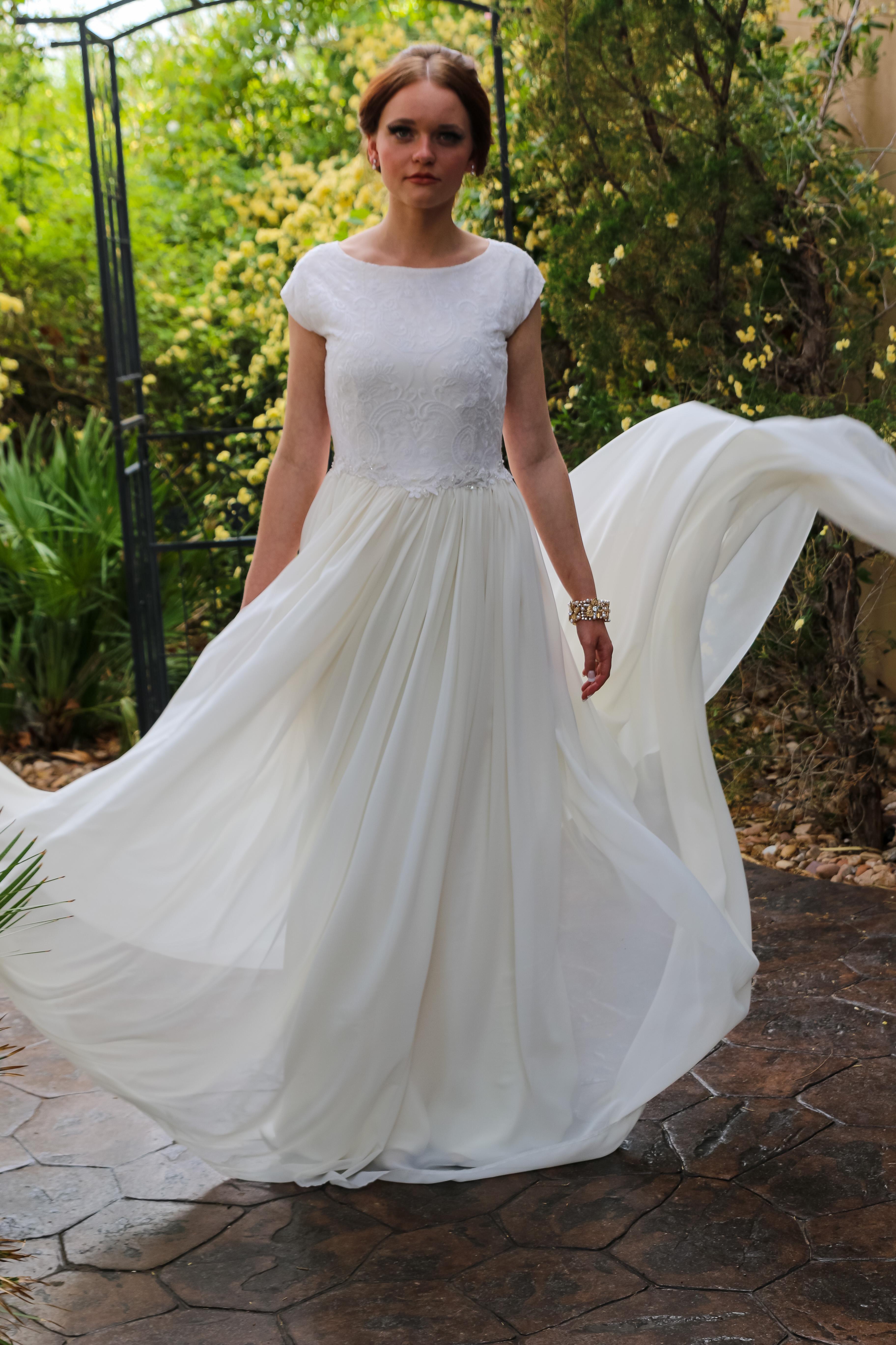 Großzügig Wedding Dress Gallery Ideen - Brautkleider Ideen ...