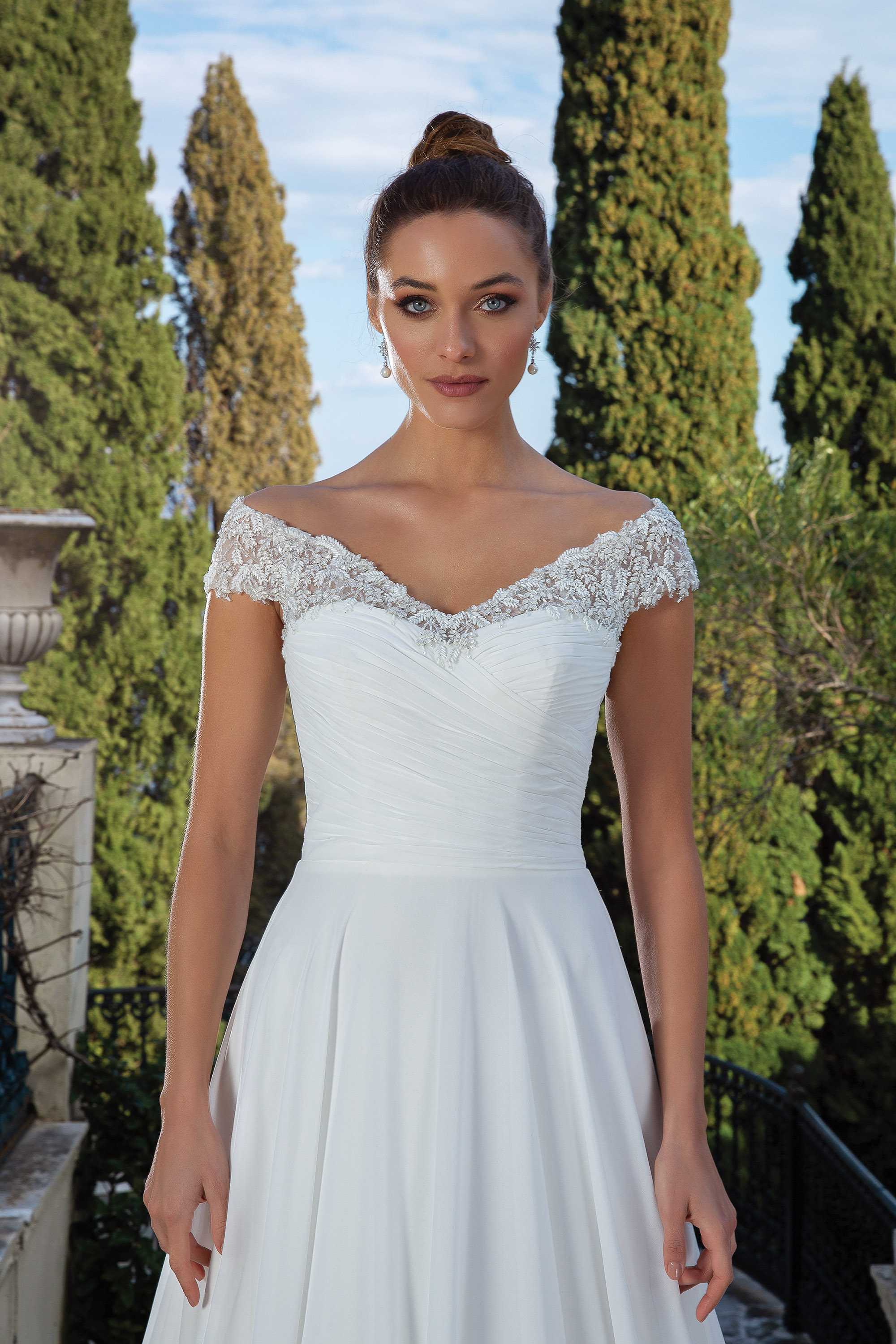 A-line wedding dress with lace sleeves
